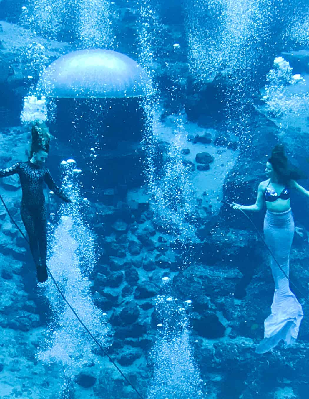 Mermaids in Little Mermaid show at Weeki Wachee State Park